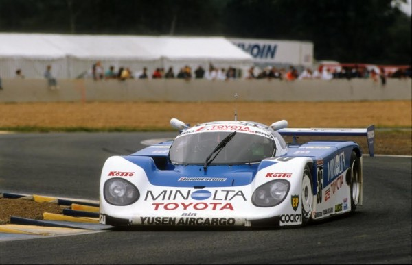 Paolo-BARILLA-24-Heures-du-Mans-1989-pour-Toyota-©-Manfred-GIET.