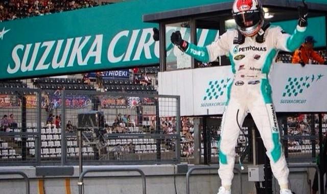 SUPER-GT-2014-1000-Km-de-SUZUKA-James-ROSSITER-fete-la-victoire