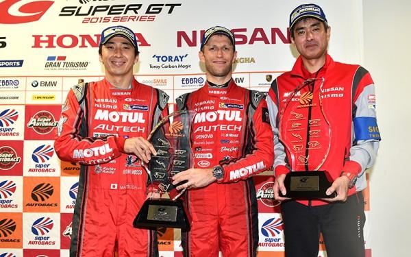 SUPER-GT-500-MOTEGI-15-Novembre-les-CHAMPIONS-MATSUDA-QUINTARELLI-Equipe-NISSAN-NISMO