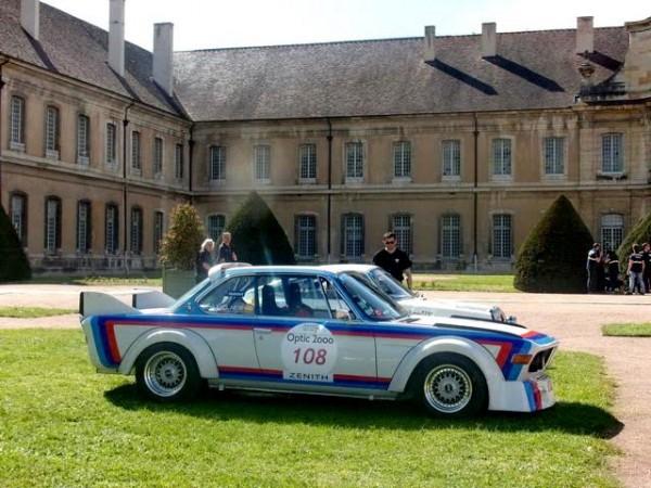 Tour Auto 2016 - Petite pause pour déjeuner dans une magnifique abbaye - Photo Jean Martin