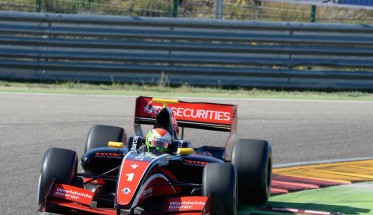 V8-FORMULA-3-5-MOTORLAND-Samedi-16-AVRIL-Louis-DELETRAZ-Photo-Antoine-CAMBLOR-