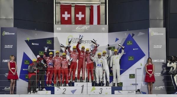 WEC-2016-SILVERSTONE-Le-podium-Dimanche-17-avril-Le-podium-des-LMP1-privées-avec-le-doublé-des-deux-REBELLION-Photo-Max-MALKA