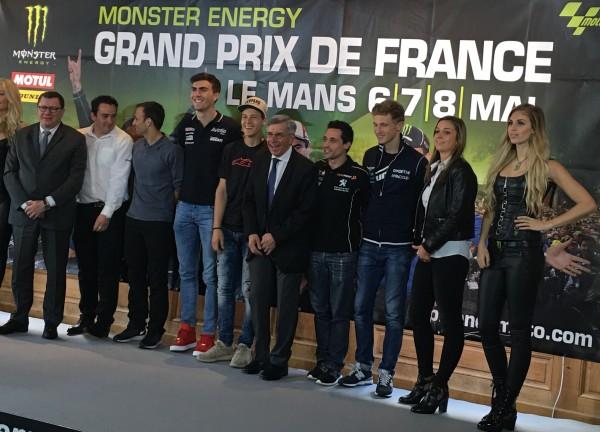 Présentation du Grand Prix de France moto 2016 - Photo de famille des pilotes Français réunis le mercredi 13 avril - Photo : Autonewsinfo