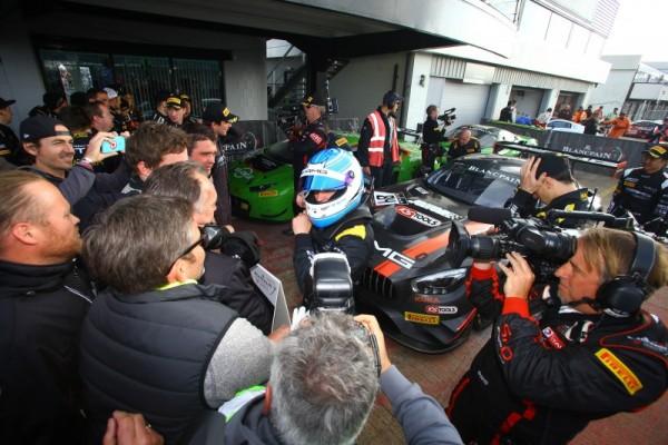 BLANCPAIN-GT-SERIES-ENDURANCE-2016-SILVERSTONE-Arrivée-victoeieuse-pour-Maxumilian-BUHK-Team-MERCEDES-HTP-Motorsport.