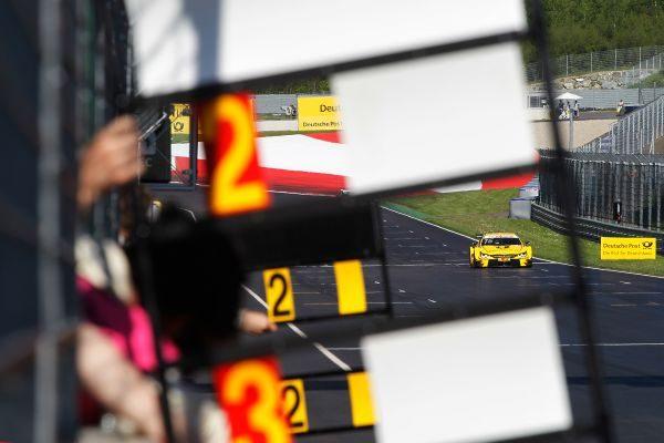 DTM-2016-RED-BULL-RING-La-BMW-de-TIMO-GLOCK-victorieuse-de-la-seconde-course-ce-dimanche-22-mai
