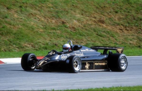 Elio-de-ANGELIS-victoire-au-GP-dAutriche-1982-sur-Lotus-91-©-Manfred-GIET