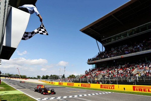 F1-2016-BARCELONE-MAX-VERSTAPPEN-Victorieux-devient-le-plus-jeune-pilote-vainqueur-dun-GP-de-F1-