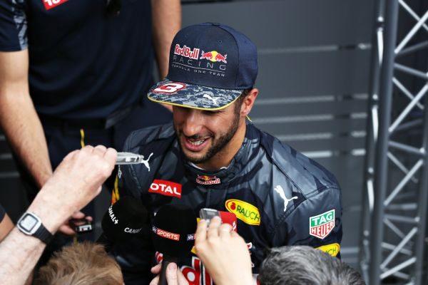 F1-2016-MONACO-DANIEL-RICCIARDO.