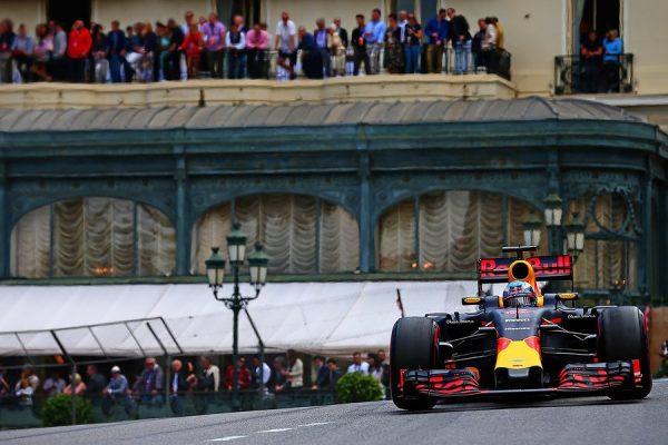 F1-2016-MONACO-DANIEL-RICCIARDO-mene-le-GP-le-29-Mai.