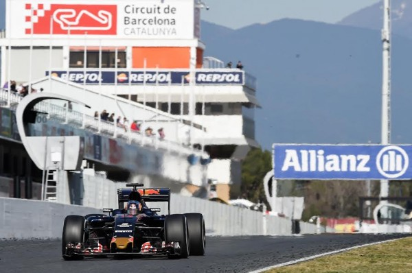 F1-2016-MONTMELO-Mercredi-2-mars-CARLOS-SAINZ-Jr-TORO-ROSSO-Photo-ANTOINE-CAMBLOR.