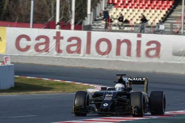 F1-2016-MONTMELO-Mercredi-2-mars-MAGNUSSEN-RENAULT-Photo-ANTOINE-CAMBLOR.