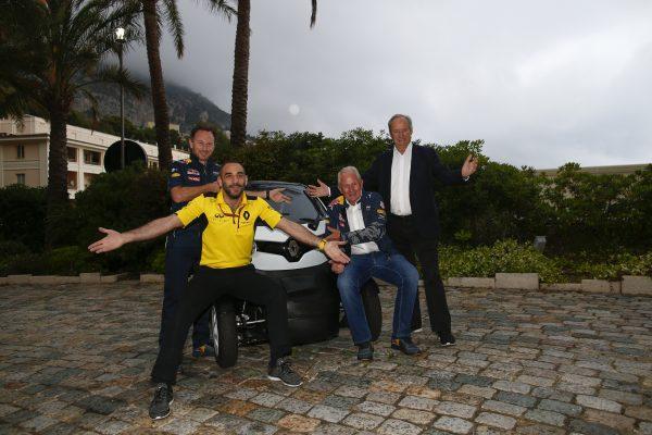 F1-2016-RED-BULL-et-TORO-ROSSO-rouleront-avec-le-moteur-RENAULT-en-2017-et-2018