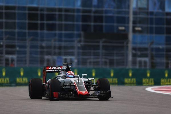 F1-2016-SOTCHI-LA-HAAS-de-ROMAIN-GROSJEAN-pour-la-3éme-fois-dans-le-TOP-10.