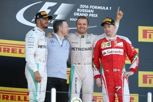 F1 2016 SOTCHI LE PODIUM du GP de RUSSIE avec ROSBERG HAMILTON 2éme et RAIKKONEN 3éme.