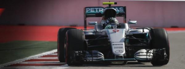 F1-2016-SOTCHI-La-MERCEDES-de-Nico-ROSBERG.