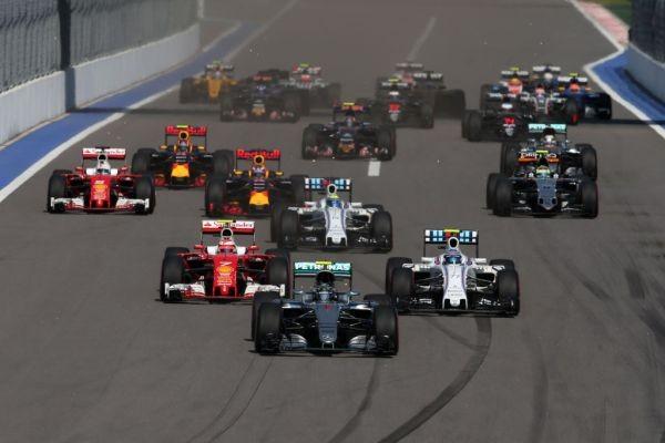 F1-2016-SOTCHI-Le-départ-du-GP-de-RUSSIE