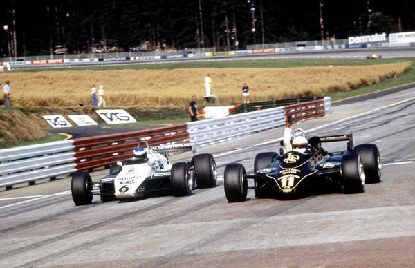 F1-GP-AUTRICHE-1982-Arrivee-au-sprint-entre-ELIO-de-ANGELIS-et-KEKE-ROSBERG.