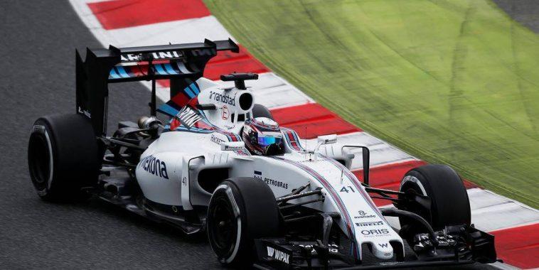 F12016-Essais-prives-BARCELONE-le-17-Mai-Alex-LYNN-dans-la-WILLIAMS-MERCEDES-1