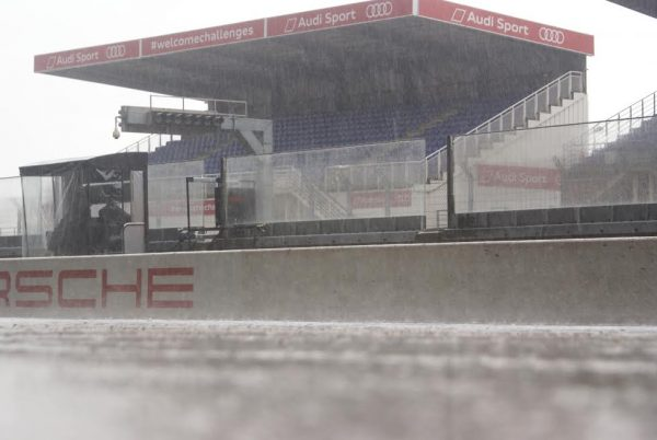 FUN CUP 2016 - LE MANS - déluge de pluie sur la pitlane