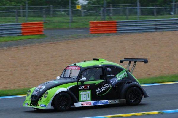 FUNCUP-Le-Mans-2016-La-Funcup-Zosh-MTG-au-freinage-de-la-Chapelle-Photo-Daniel-Noly.