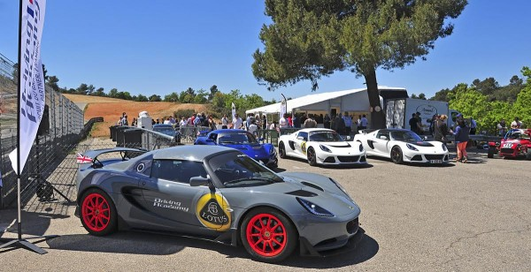 LOTUS-DRIVING-ACADEMY-Inauguration-sur-la-piste-du-Grand-SAMBUC-le-jeudi-5-Mai-Photo-ERDA-Eric-DAMAGNEZ.