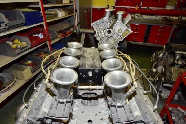 MICHEL-MALLIER-Le-célebre-moteur-COSWORTH-F1-Photo-Max-MALKA