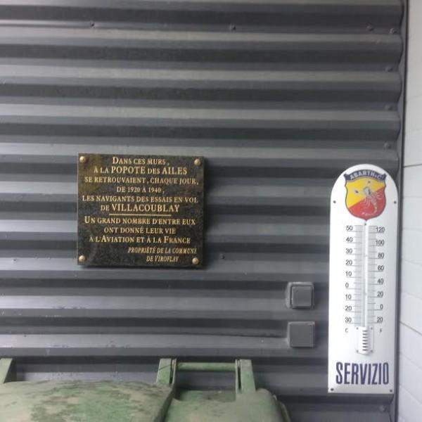 Michel-MALLIER-Atelier-plaque-souvenir.