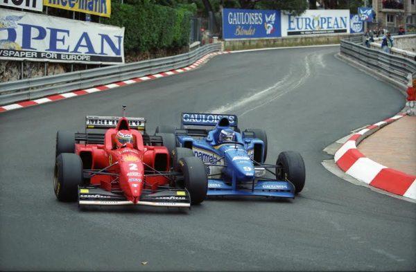 Olivier-PANIS-Eddie-IRVINE-Monaco-1996-lattaque-décisive-de-PANIS-©-Manfred-GIET
