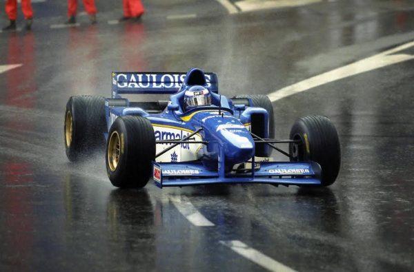Olivier-PANIS-GP-Monaco-1996-à-bord-de-la-Ligier-JS43véritable-Arche-de-Noé-©-Manfred-GIET.