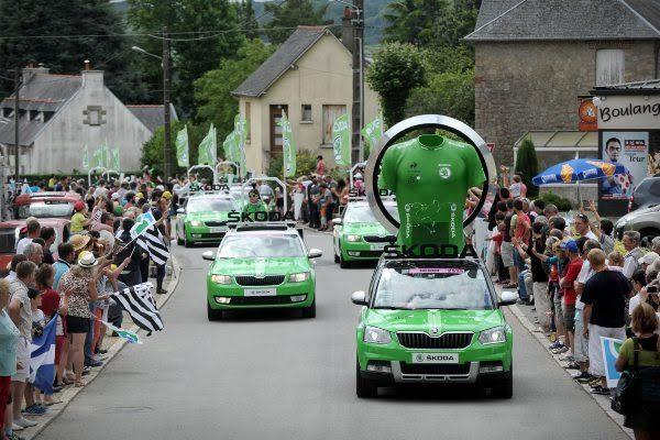 SKODA-Les-voitures-de-la-caravane-publicitaire-du-TOUR-DE-FRANCE-Cycliste