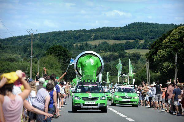 SKODA-de-la-caravane-du-TOUR-DE-FRANCE-Cycliste-
