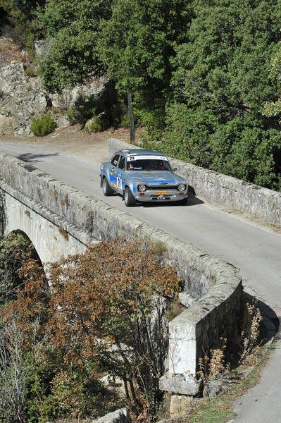 TOUR-de-CORSE-HISTORIQUE-2015-La-FORD-ESCORT-RS-MK1-de-FLORIAN-GONON-et-de-MICHEL-HORGNYES-Photo-FRANCOIS-HAASE.