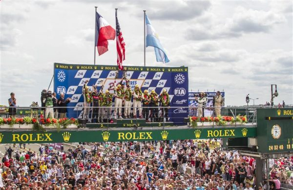 24-HEURES-DU-MANS-2012-PODIUM-AUDI-TRELUYER-LOTTERER-FASSLER-Photo-Claude-MOLINIER.