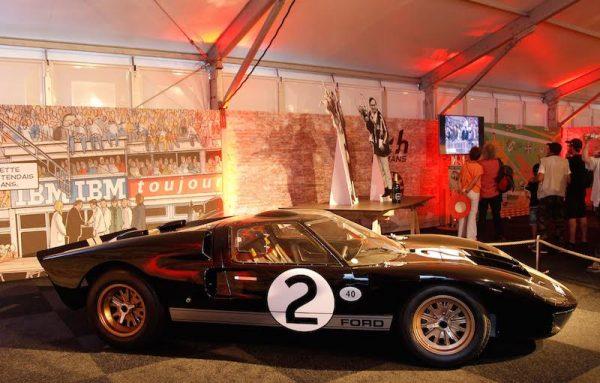 24 HEURES DU MANS 2015 Expositionb DUEL FORD FERRARI des années - La Ford GT 40 de 1966 - Photo Patrick MARTINOLI.j