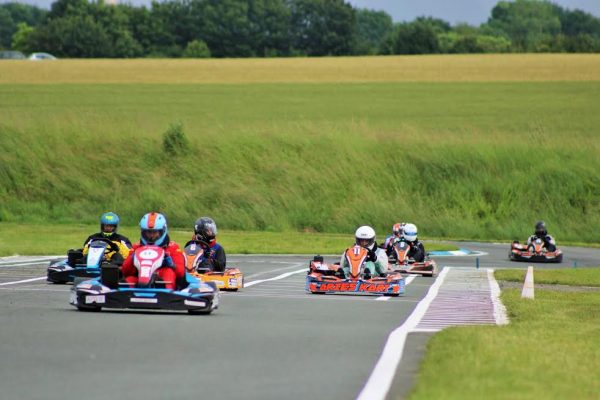 24-Heures-Karting-JP-JAUSSAUD-Le-depart-samedi-11-juin-Photo-Emmanuel-LEROUX