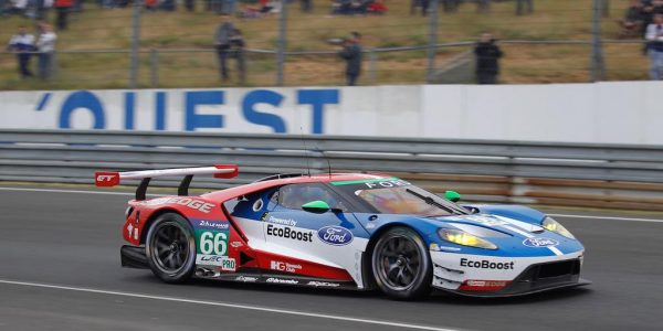 24-HEURES-du-MANS-2016-Mercredi-15-juin-La-FORD-GT-N°66-du-Chip-GANASSI-de-PLA-MUCKE-et-JOHNSSON-Photo-Thierry-COULIBALY-
