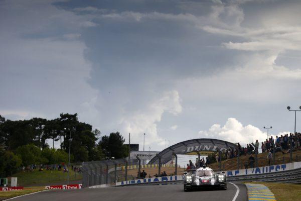 24-HEURES-du-MANS-2016-Porsche-919-Hybrid-de-Romain-Dumas-Neel-Jani-Marc-Lieb-Photo-Thierry-COULIBALY-
