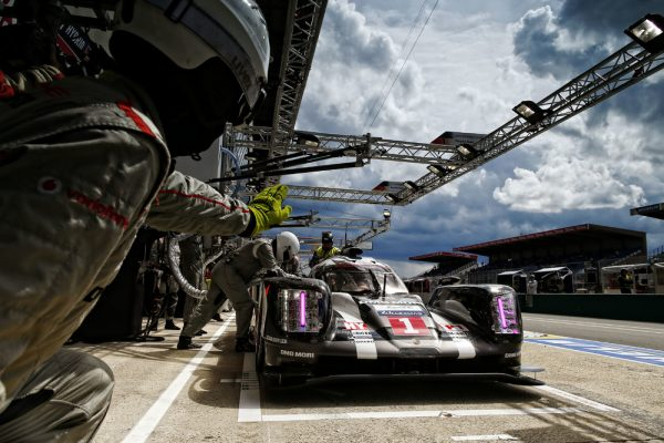 24 HEURES du MANS 2016 - Porsche 919 Hybrid de Timo BERNHARD - Mark WEBBER et Brandon HARTLEY - Photo Thierry COULIBALY