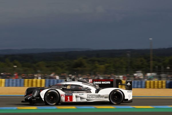 24-HEURES-du-MANS-2016-Porsche-919-Hybrid-de-Timo-BERNHARD-Mark-WEBBER-et-Brandon-HARTLEY-Photo-Thierry-COULIBALY-