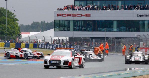 24 HEURES du Mans 2016 Départ et début de course sous la pluie derriére le safety car Photo Thierry COULIBALY