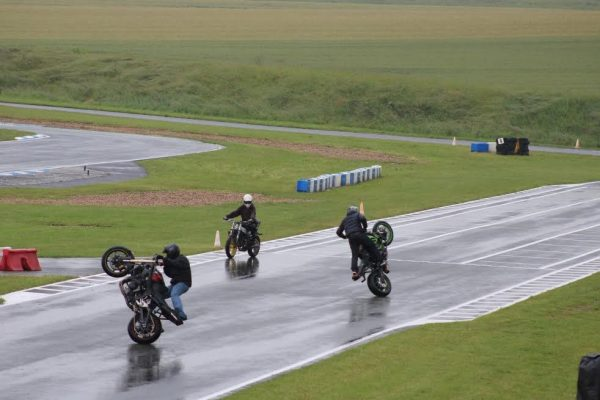 24 Heures Karting JPJAUSSAUD-Démonstration de Stunt-Photo Emmanuel LEROUX.