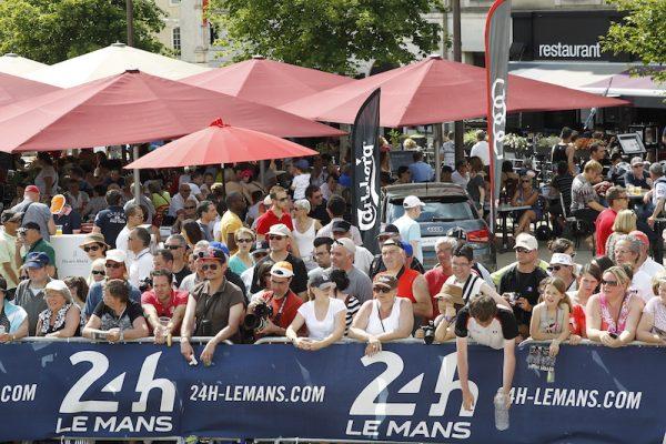 24HEURES DU MANS 2016- Pesage le public des fans Photo Thierry COULIBALY.
