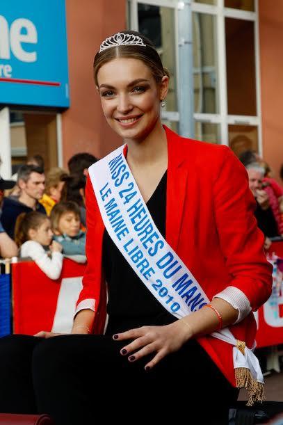 LA GRANDE PARADE DES 24 HEURES DU MANS 2016 - Vendredi 17 juin La jolie Miss 24 HEURES Le MAINE LIBRE - Photo Thierry COULIBALY.