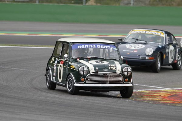 SPA-SUMMER-CLASSIC-2016-AUSTIN-MINI-COOPER-S-et-PORSCHE-911-Photo-Publiracing.
