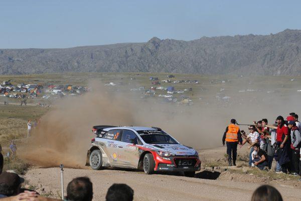 WRC-2016-ARGENTINE-THIERRY-NEUVILLE-HYUNDAI-i20WRC