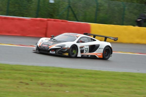 24-HEURES-de-SPA-2016-La-McLAREN-GARAGE-59-N°58-Photo-Nicolas-PALUDETTO