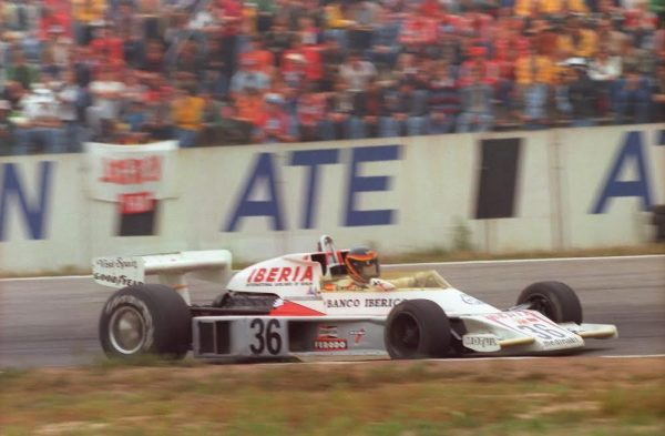 Emilio-de-VILLOTA-GP-Allemagne-1977-©-Manfred-GIET.