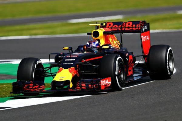 F1-2016-BRITISG-GP- Nouveaiu podium pour la RED-BULL de VERSTAPPEN