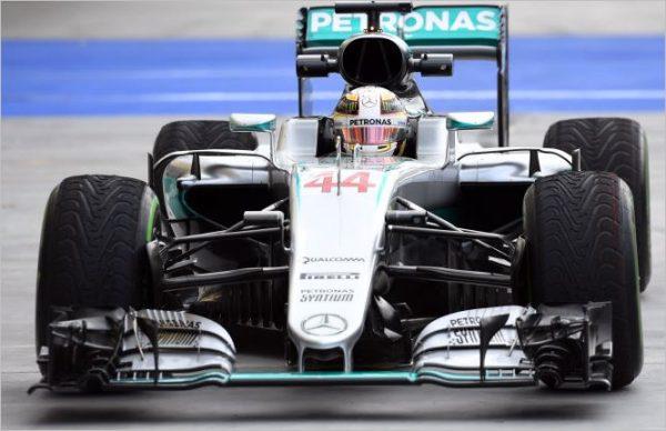 F1-2016-BUDAPEST-La-MERCEDES-de-LEWIS-HAMILTON.