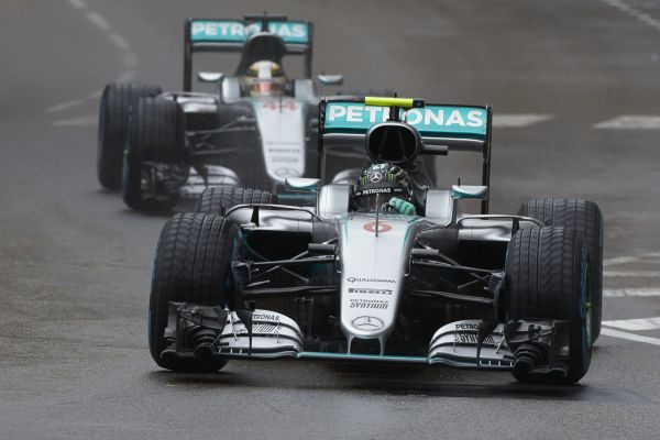F1-2016-MONACO-Les-deux-MERCEDES-ROSBERG-devance-encore-HAMILTON